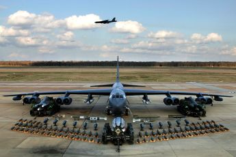 b-52h_static_display_arms_06