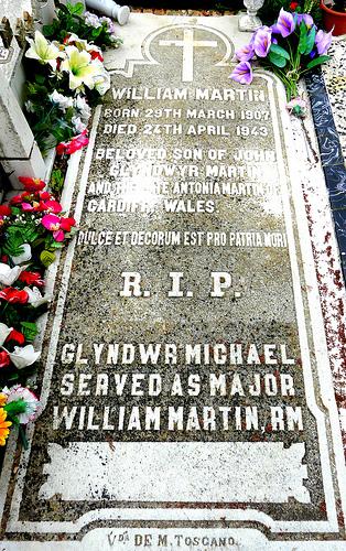Glyndwr-Michael-memorial