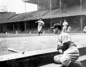 Yankees Tigers Gehrig Ends Streak