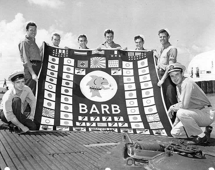 USS_Barb_crew_1945_i03570