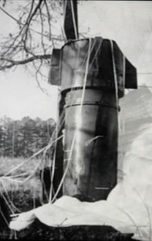 220px-Goldsboro_Mk_39_Bomb_1-close-up