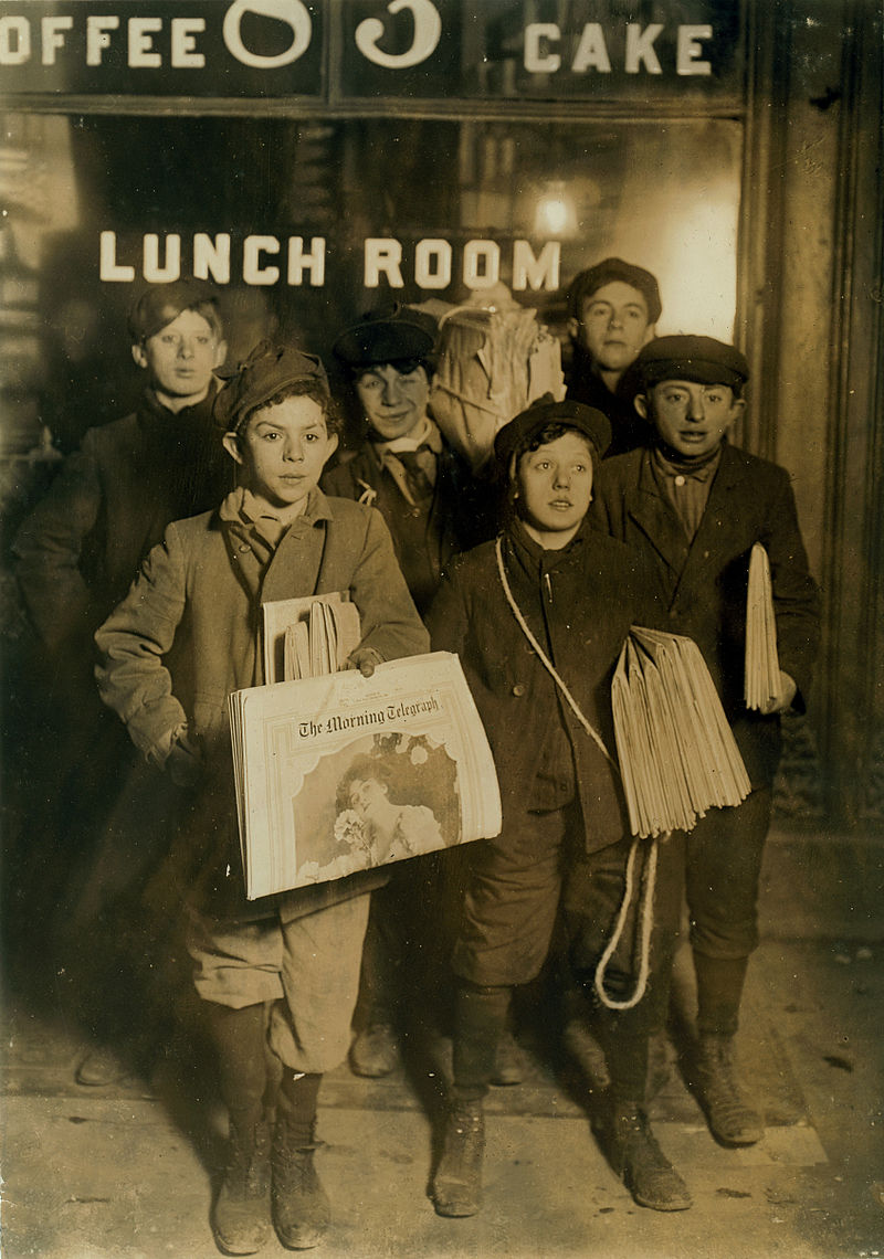 February_23rd_1908_Boys_Selling_Newspapers_on_Brooklyn_Bridge