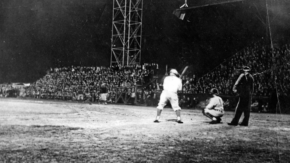 May 24, 1935  Under the Lights
