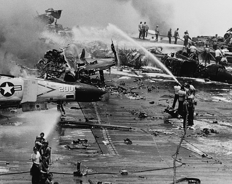 800px-USS_Forrestal_explosion_29_July_1967