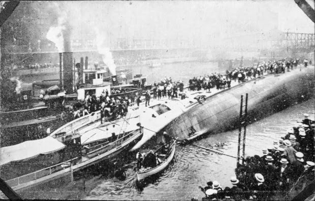 July 24, 1915  A Curbside Shipwreck