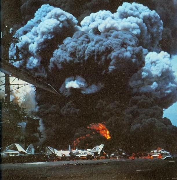 USS_Forrestal_fire_1_1967