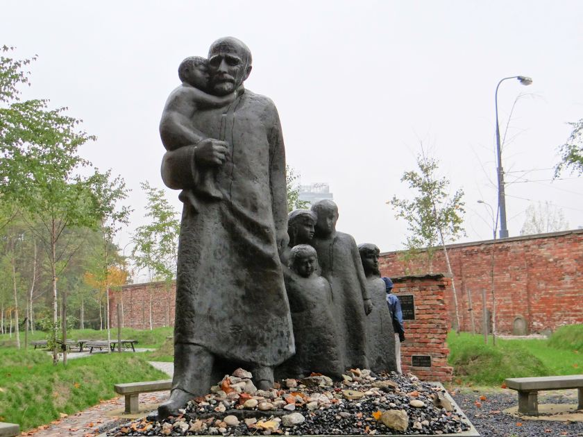 251012_Janusz_Korczak_monument_at_Jewish_Cemetery_in_Warsaw_-_03