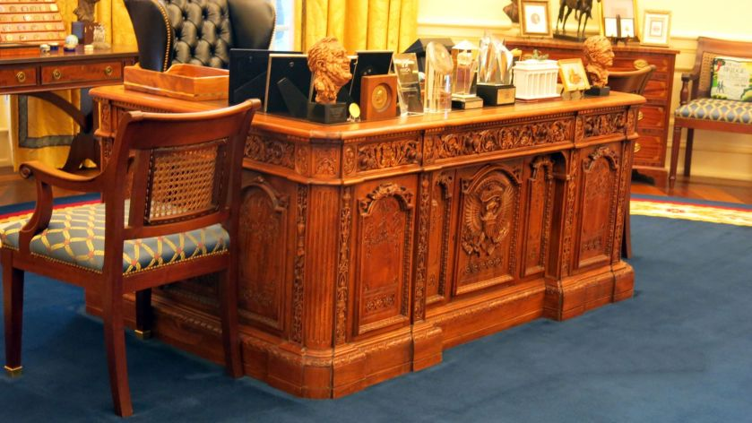 cl-resolute-desk-replica