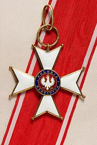 Polonia_Restituta_-_Commander's_Cross_pre-1939_w_rib