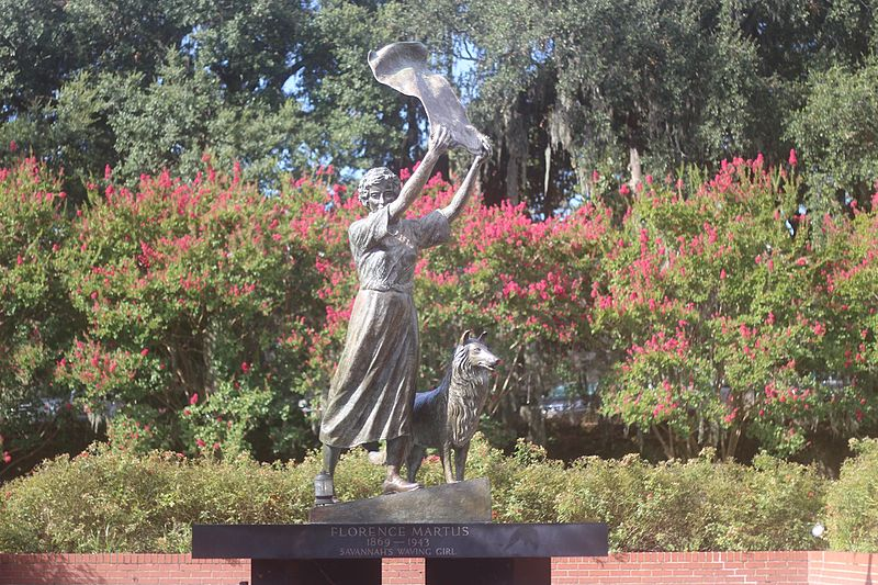 Florence_Martus_statue_in_Savannah,_August_2016