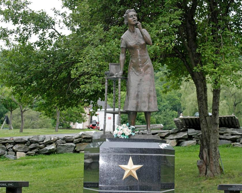 gold-star-mothers-monument-at-the-putnam-county-veteran-memorial-park-james-connor