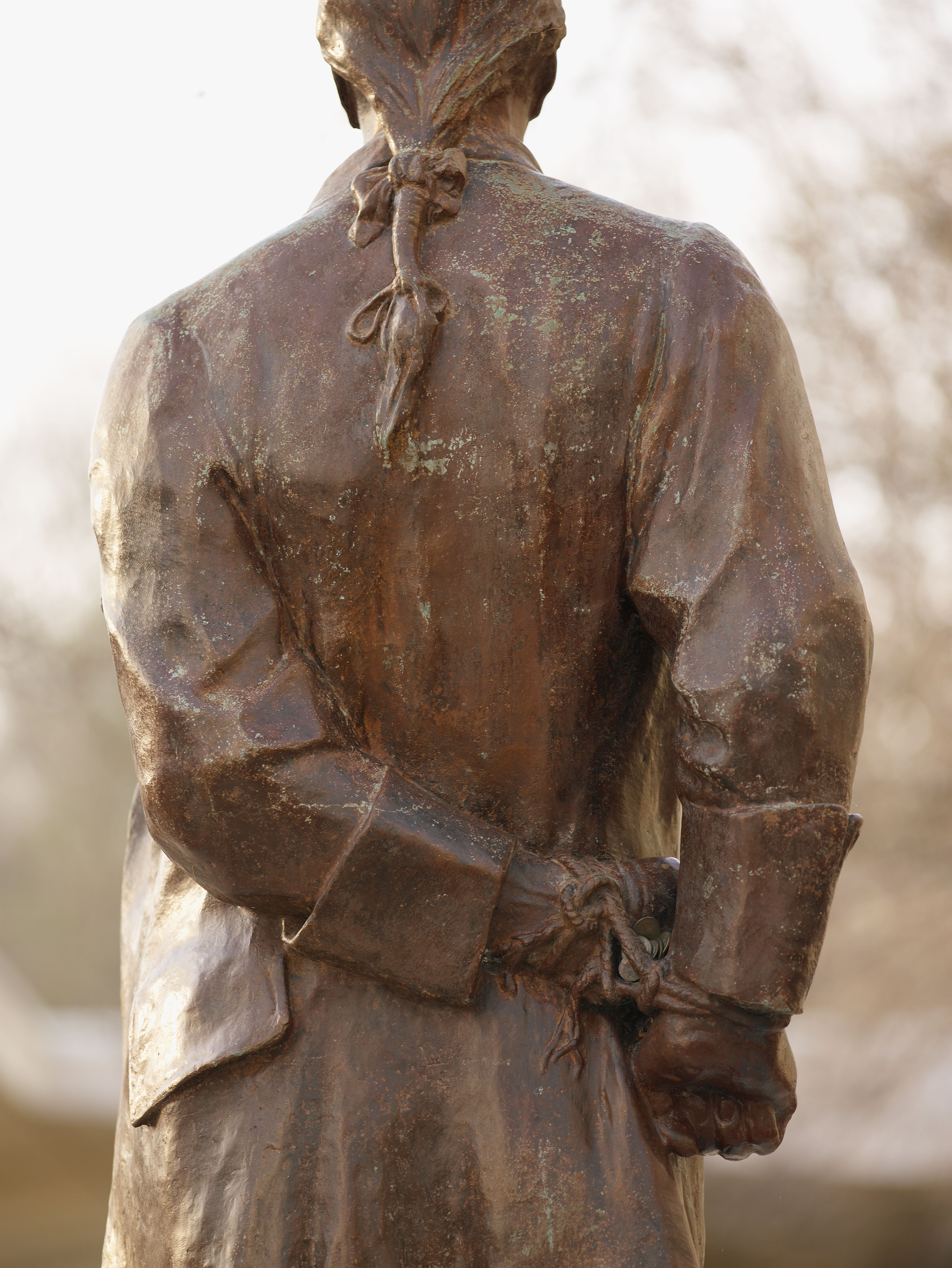 Nathan_Hale_Statue_-_Flickr_-_The_Central_Intelligence_Agency_(1)