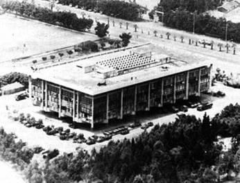 beirut-barracks-before-bombing