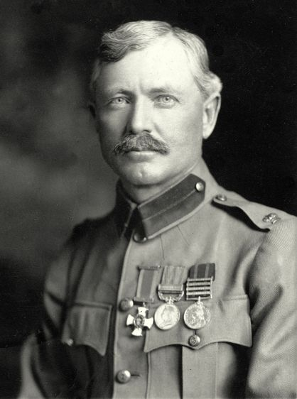 Major_Frederick_Russell_Burnham_DSO_1901