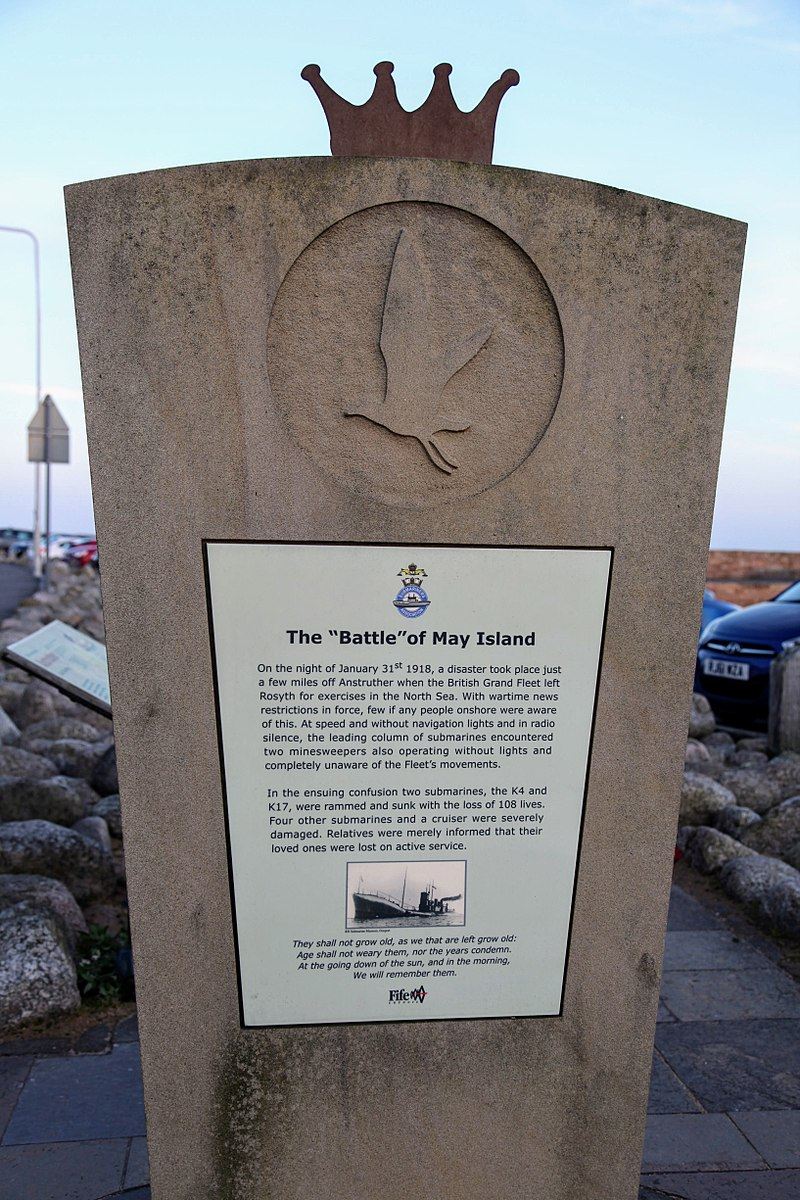 800px-may_island_memorial_anstruther