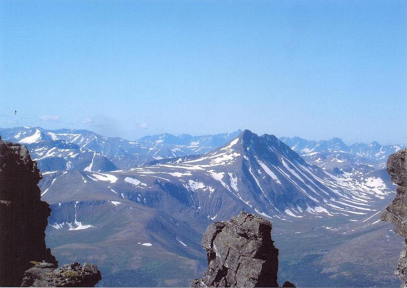 800px-Ural_mountains_3_448122223_93fa978a6d_b