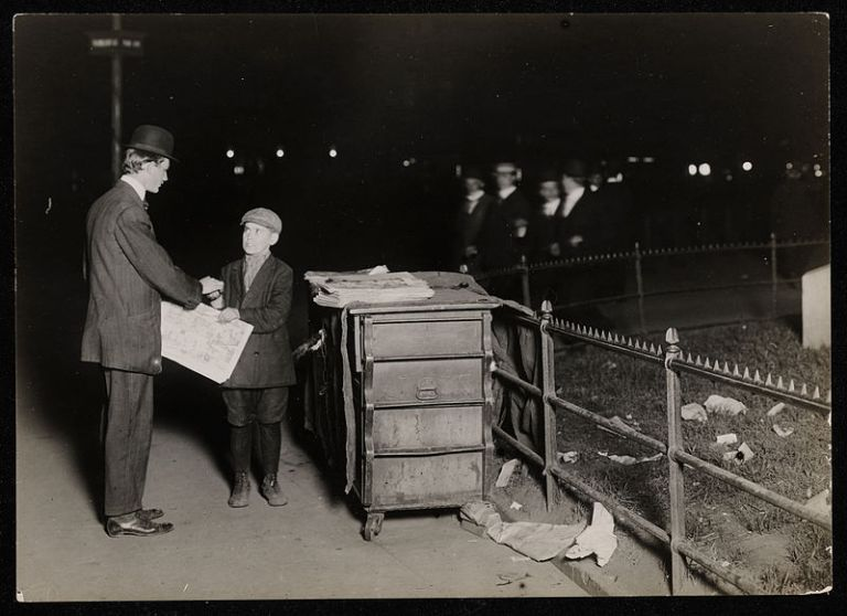child_labor_in_united_states_1910_working_night_shift (1)