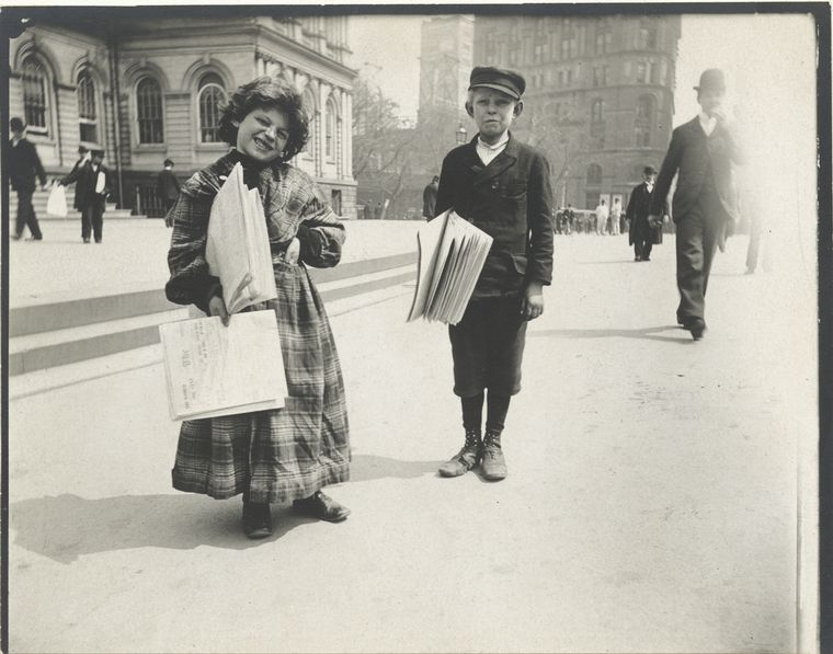 new-york-1896-alice-austen_newsboys