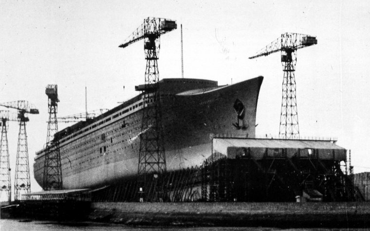 Normandie-under-construction