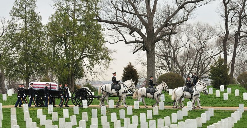 1200px-SMA_Dunway_Burial_at_Arlington_National_Cemetery_2008