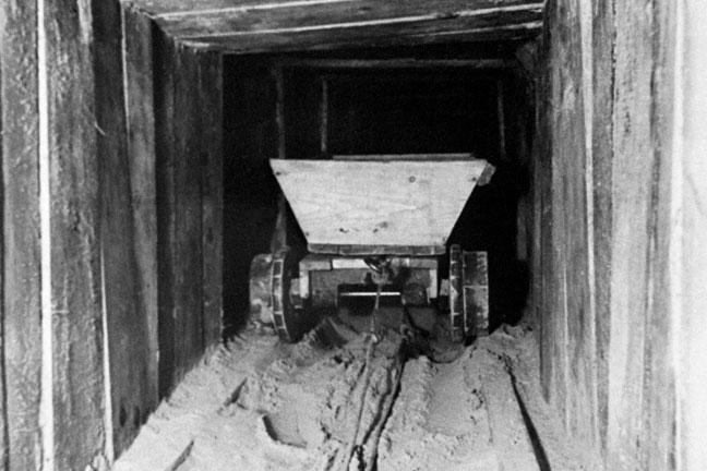 photo-showing-a-trolley-in-the-famous-harry-escape-tunnel-originally-built-by-allied-airmen-at-the-german-stalag-luft-iii-prisoner-of-war-camp-in-zagan-poland-136388730557403901-14032510