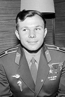 220px-Yuri-Gagarin-1961-Helsinki-crop