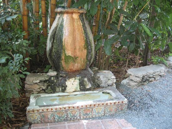 urinal-made-into-a-fountain