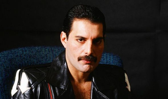 Freddie-Mercury-1192903