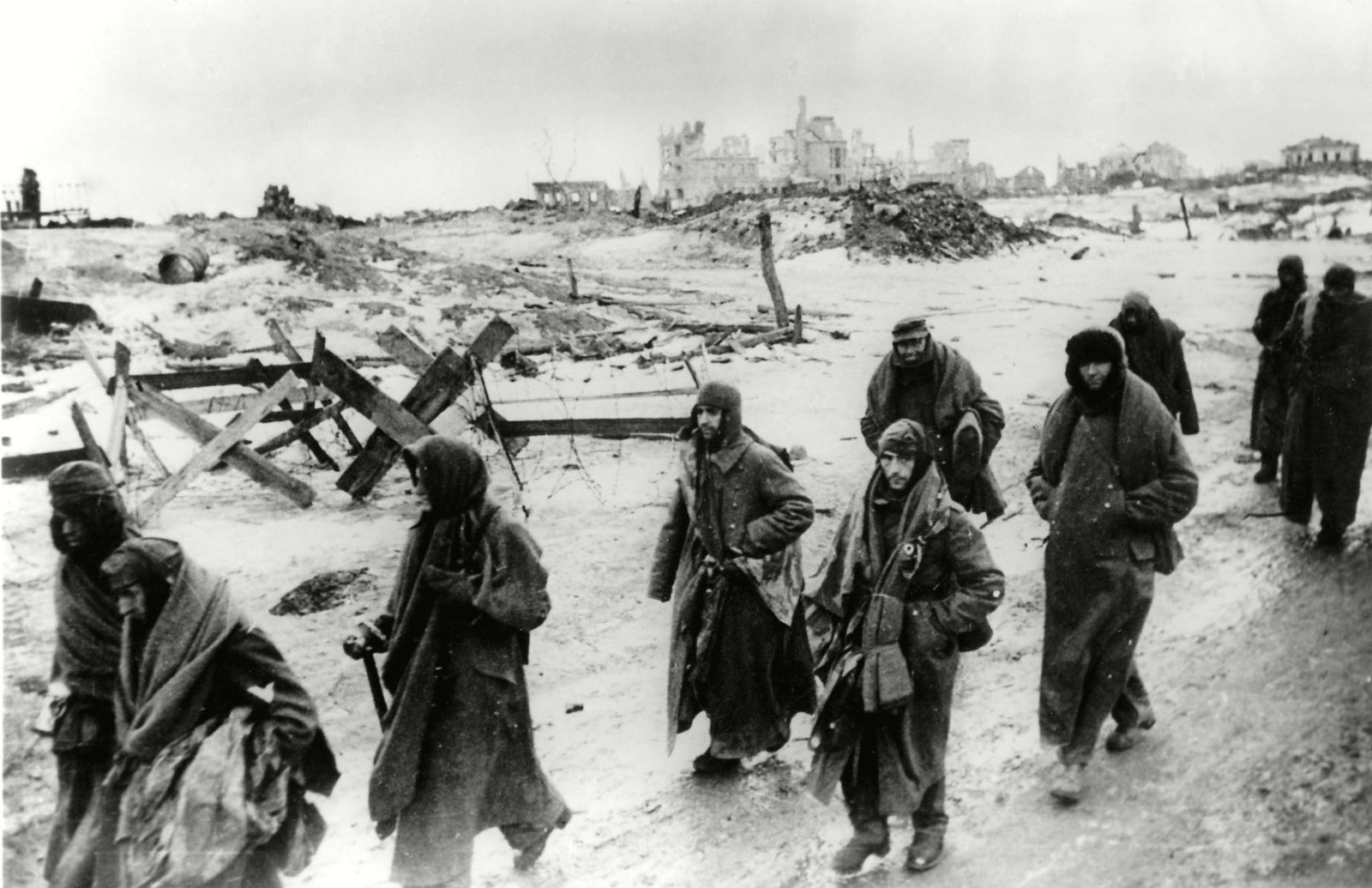 German-soldiers-Battle-of-Stalingrad-January-1943