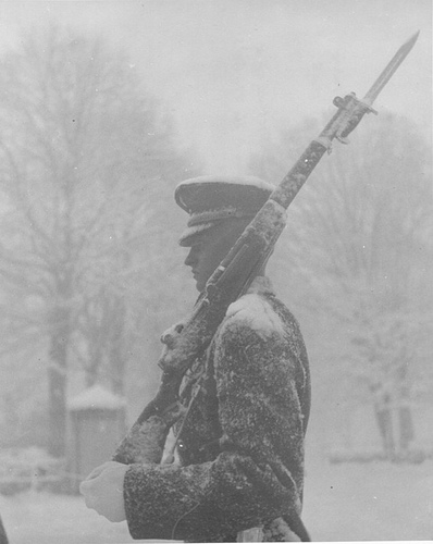 tomb-soldier-in-snow