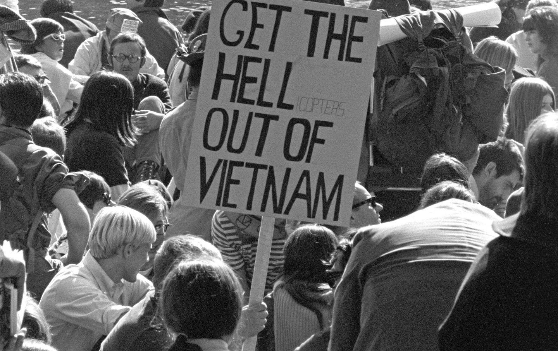 Vietnam_War_protestors_gov_img