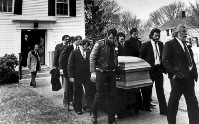 belushi-funeral-service