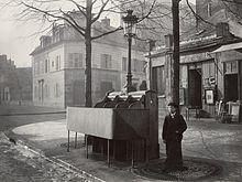 Charles_Marville,_Urinoir_en_ardoise_à_3_stalles,_Chaussée_du_Maine,_ca._1865